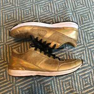 Sam Edelman Dax Metallic Sneakers - Gold